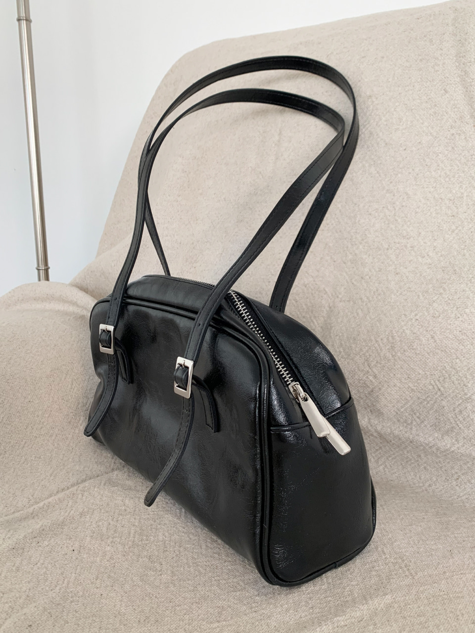 square buckle leather tote bag/ 기간 여유있게 주문해주세요 :)