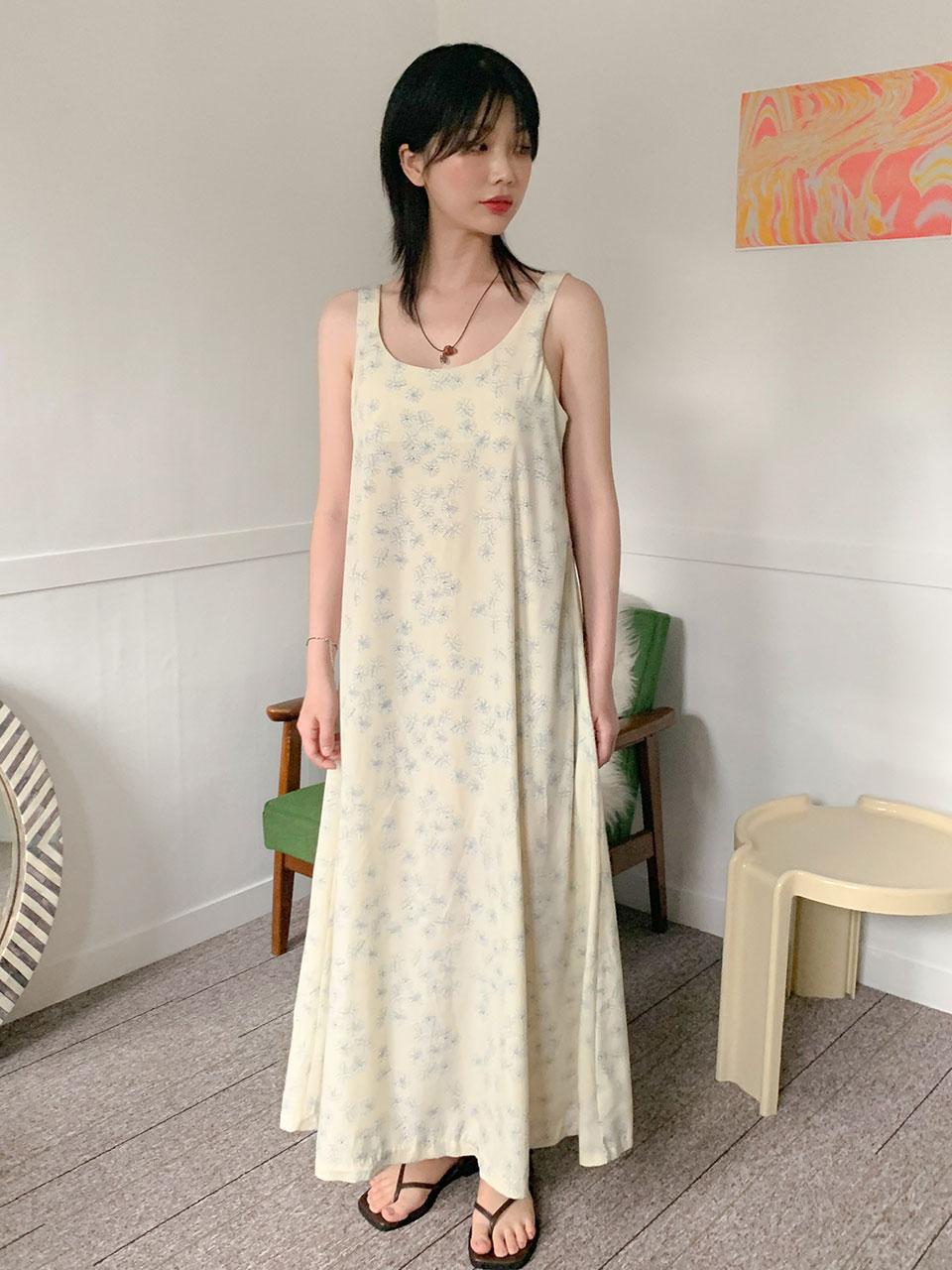 당일발송/deep u-neck flower long dress(2color)