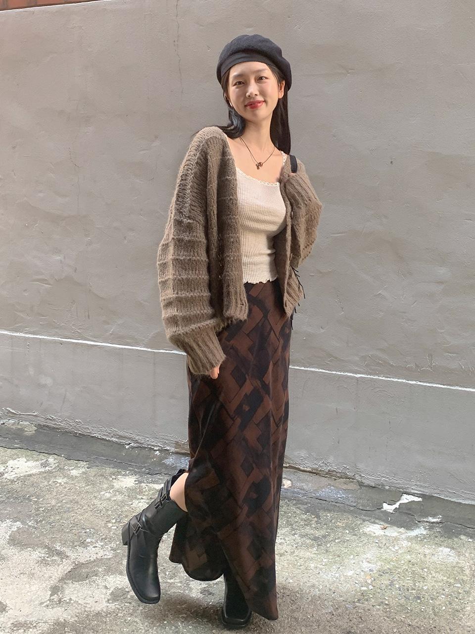 block pattern long skirt