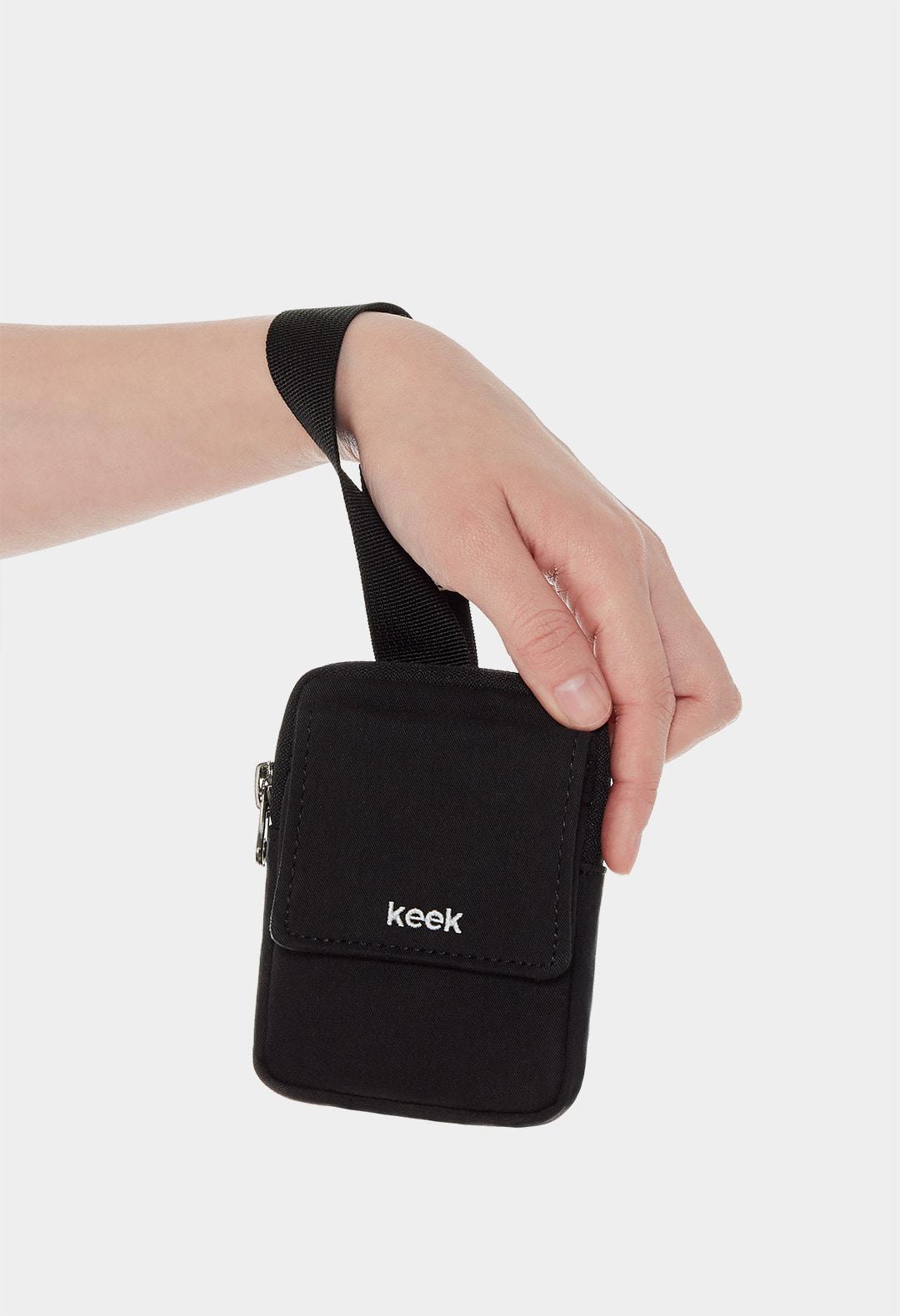 keek Buckle Pocket - Black 스트릿패션 유니섹스브랜드 커플시밀러룩 남자쇼핑몰 여성의류쇼핑몰 후드티 힙색