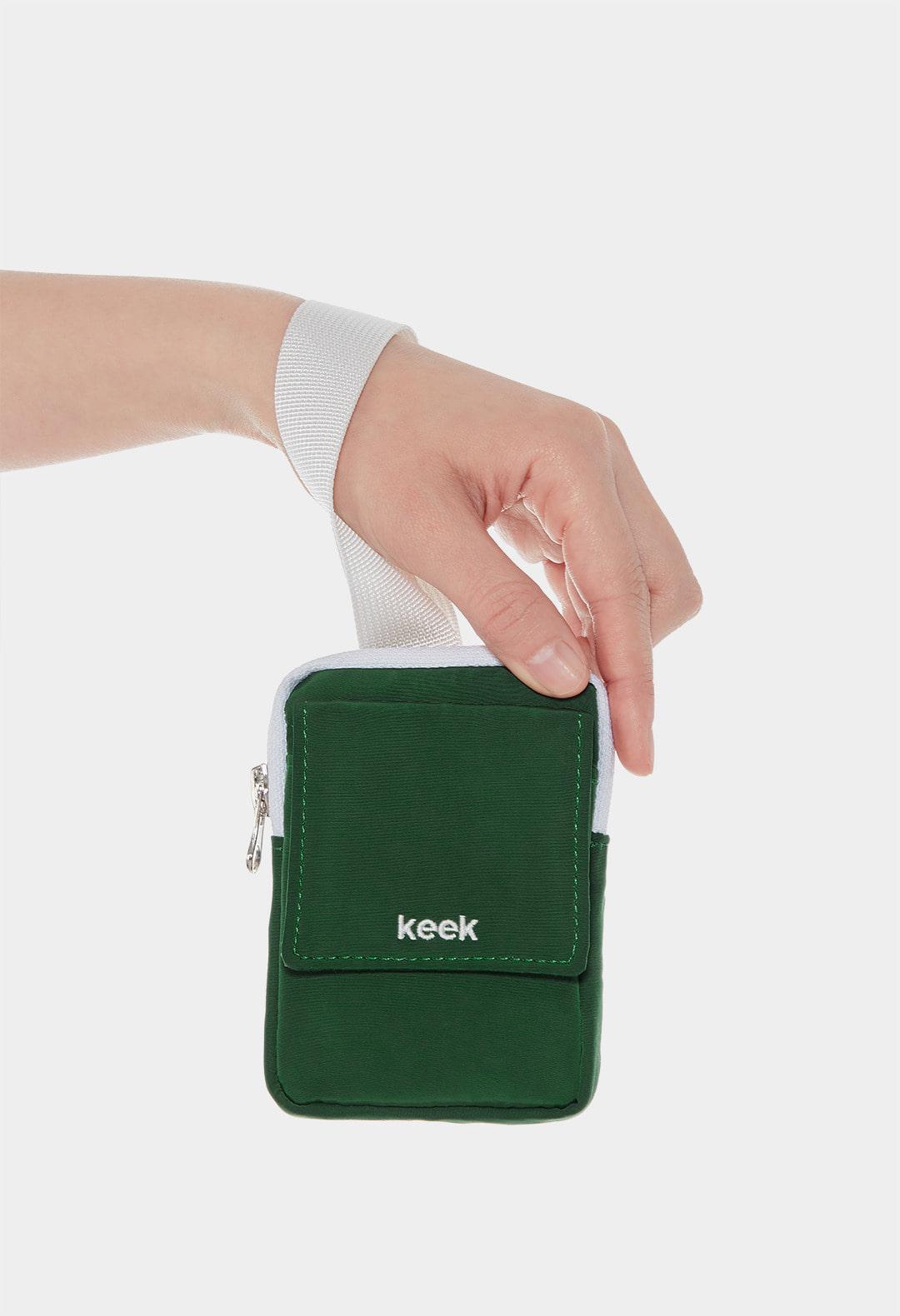 keek Buckle Pocket - Green 스트릿패션 유니섹스브랜드 커플시밀러룩 남자쇼핑몰 여성의류쇼핑몰 후드티 힙색