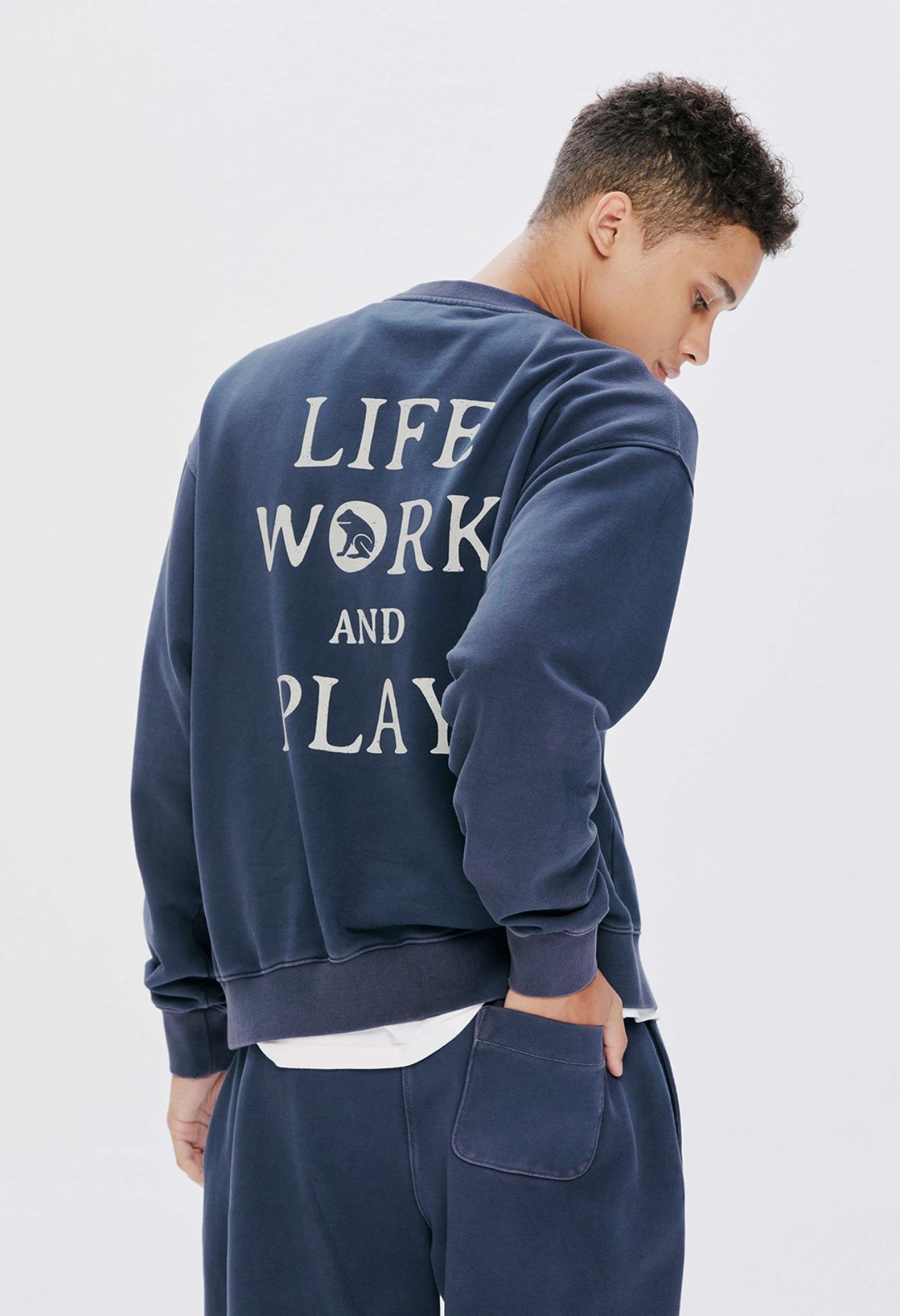 keek Pigment Sweatshirts by KEEK CREW - Navy 스트릿패션 유니섹스브랜드 커플시밀러룩 남자쇼핑몰 여성의류쇼핑몰 후드티 힙색