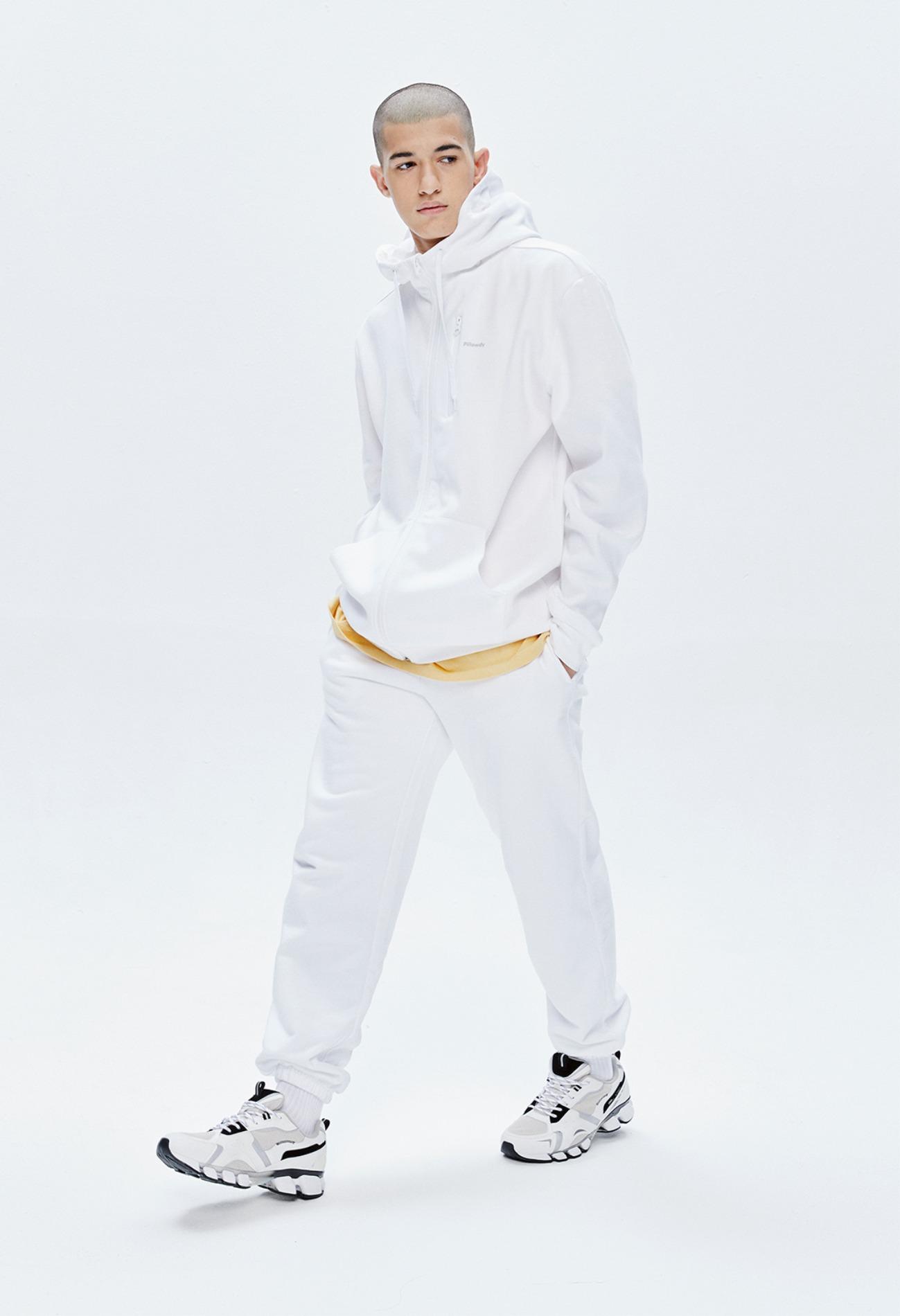 keek Pillowdy Hoodie(Basic, Regular Fit) - White 스트릿패션 유니섹스브랜드 커플시밀러룩 남자쇼핑몰 여성의류쇼핑몰 후드티 힙색