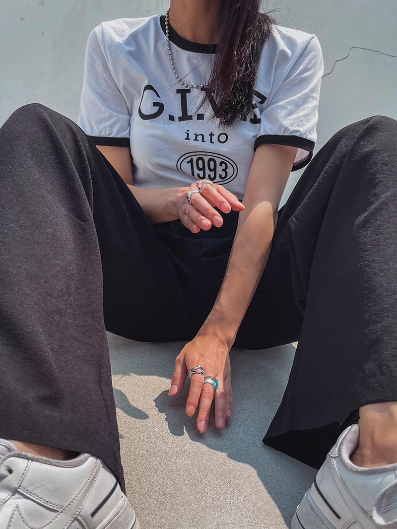 配色縁レタリングTシャツ