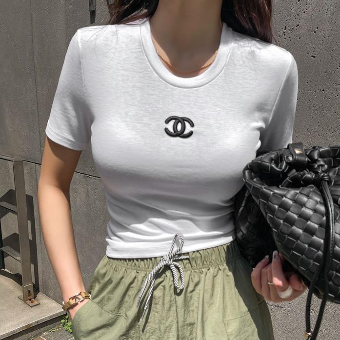 프로스엠보슬림탑_D2TA 슬림핏 데이트룩 여친룩 데일리룩 30대여성쇼핑몰 20대여자쇼핑몰 키작은여자쇼핑몰 여성의류쇼핑몰 블랙티셔츠 핑크티셔츠 화이트티셔츠 라운드넥 깔끔한