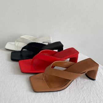 Dabagirl Faux Leather Heeled Flip-Flops
