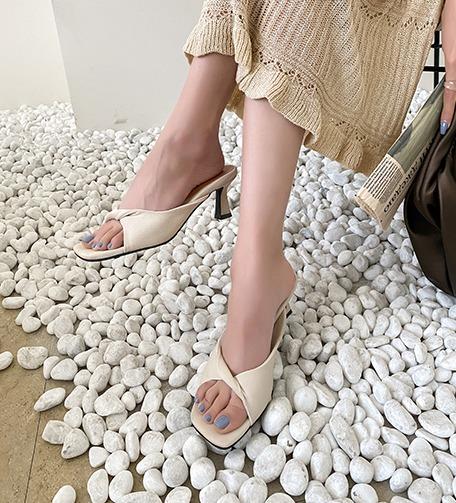 Dabagirl Twist Strap Step-In Sandals