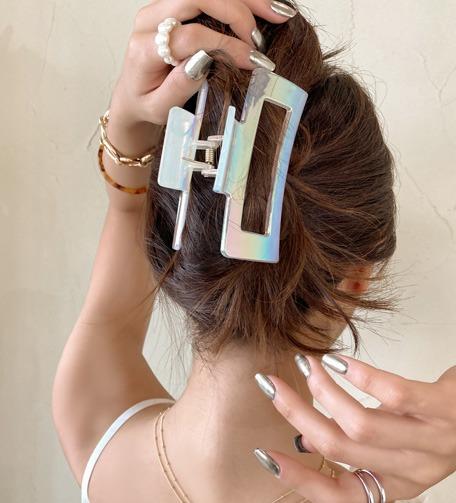 Dabagirl Glossy Cutout Hair Clamp