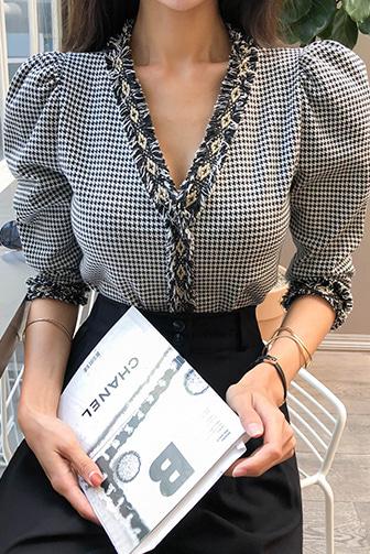 트로체크블라우스_A3BL 30대여성쇼핑몰 20대여자쇼핑몰 키작은여자쇼핑몰 여성의류쇼핑몰 탑 상의 블라우스 여성스러운 매력적인 체크 스타일리쉬 유니크 포인트 오피스룩 결혼식 하객룩 하객패션 고급스러운 블랙