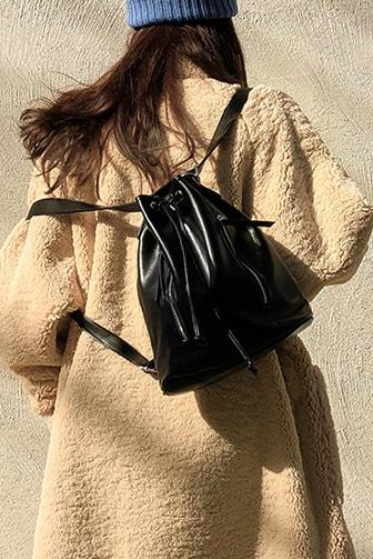심플사이드지퍼백_D4BA 백 가방 숄더백 백팩 핸드백 코디아이템 브라운 블랙 그레이 여성가방 여성핸드백 데일리 30대여성쇼핑몰 20대여자쇼핑몰 키작은 여자쇼핑몰 여성의류쇼핑몰