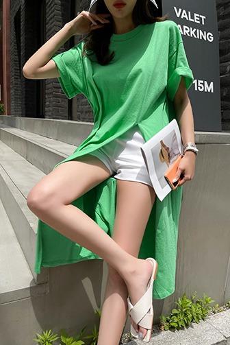트일마트임티셔츠_D2TA 탑 상의 30대여성쇼핑몰 20대여자쇼핑몰 키작은여자쇼핑몰 여성의류쇼핑몰 데일리룩 데이트룩 여친룩 블랙티셔츠 그린티셔츠 화이트티셔츠 라운드넥 반팔 슬릿