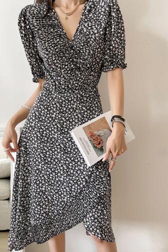 젤브리원피스_D2OP 드레스 30대여성쇼핑몰 20대여자쇼핑몰 키작은여자쇼핑몰 여성의류쇼핑몰 데일리룩 데이트룩 여친룩 블랙원피스 패턴 롱원피스 A라인 포인트룩 바캉스룩 프릴