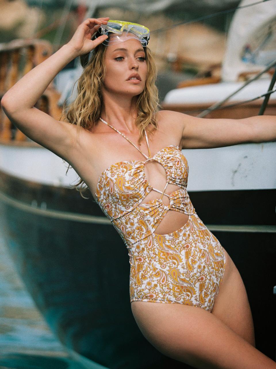 GOLDEN HALTER ONE-PIECEswimwear,수영복,비키니,데이즈데이즈,dazedayz,디자이너수영복,디자이너스위웨어,디자이너수영복,리조트웨어,