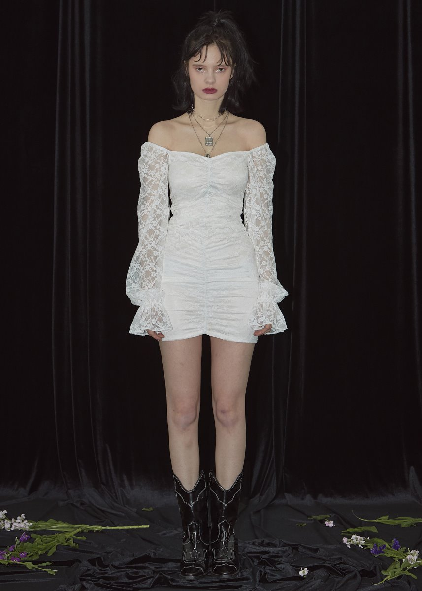 LACE SHIRRING ONEPIECE off-white