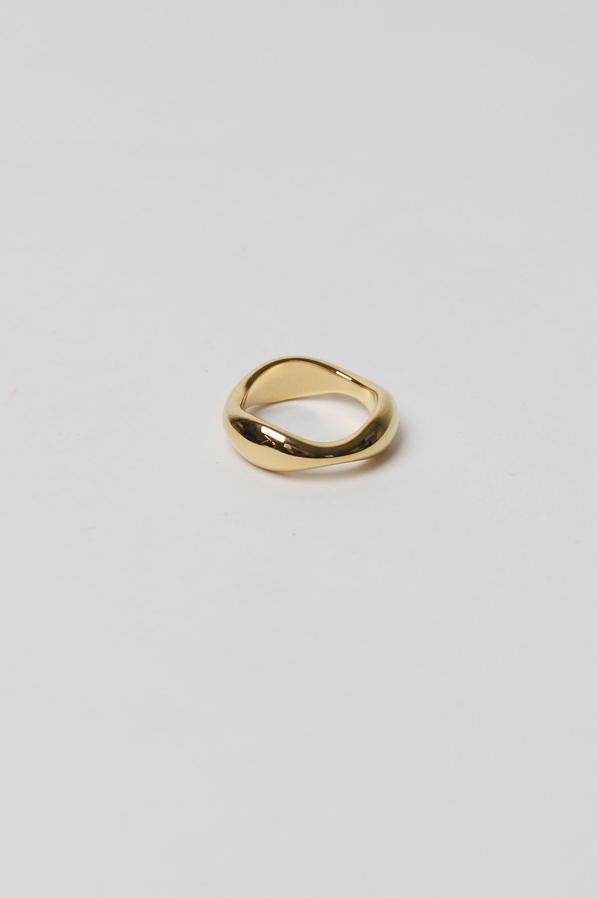 GOLD WAVE RING (925 SILVER)