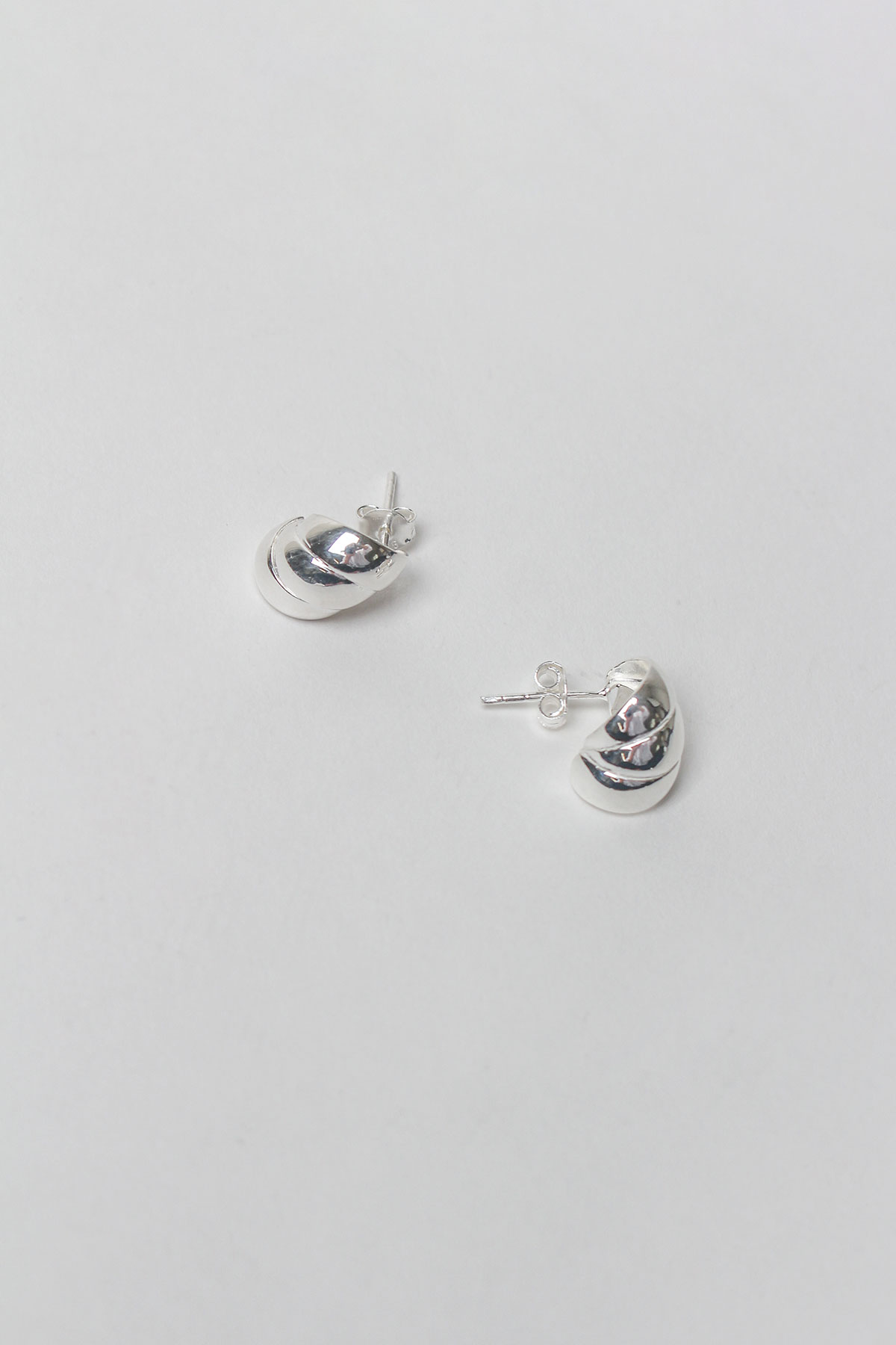 CROISSANT EARRING (925 SILVER)