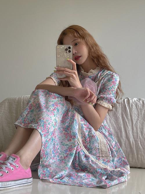 VINCENT GIRLISH VINTAGE FLOWER LACE DRESS