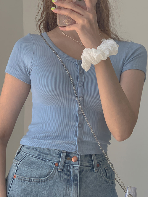 BANA SIMPLE BUTTON CROP T(IVORY, SKYBLUE, RED, BLACK 4COLORS!)