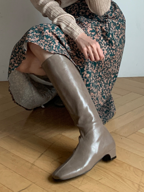 GLOSSY LEATHER SLIM BOOTS(BEIGE, BROWN, BLACK 3COLORS!)