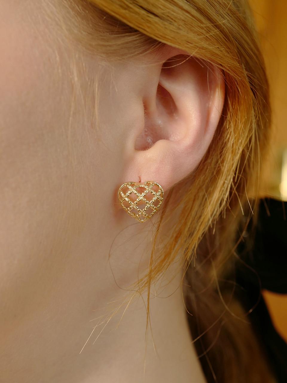 [stone tulip frame earring]