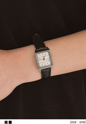 [ACC] CASIO SQUARE LEATHER WATCH