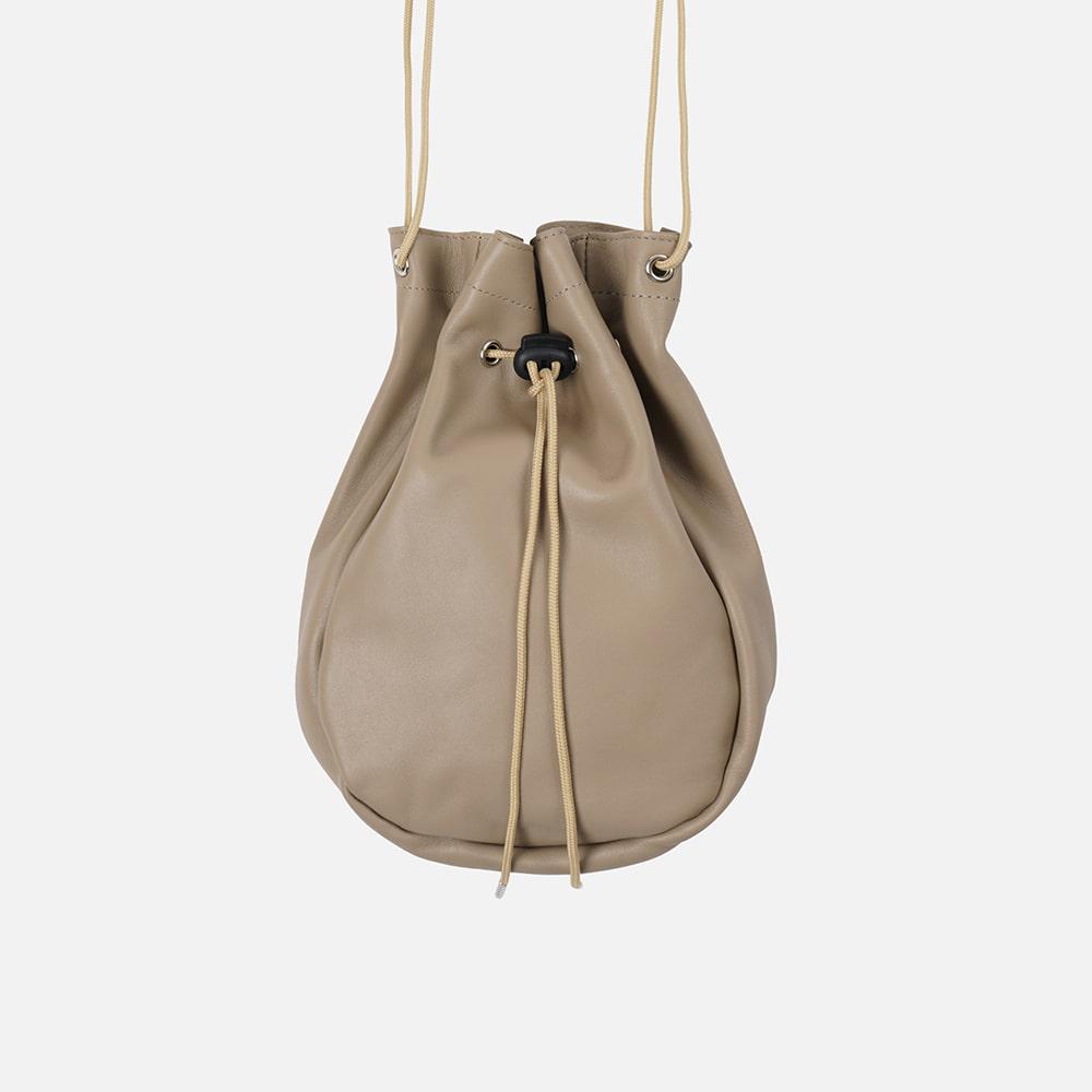 Bokjori string bag _ leather taupe