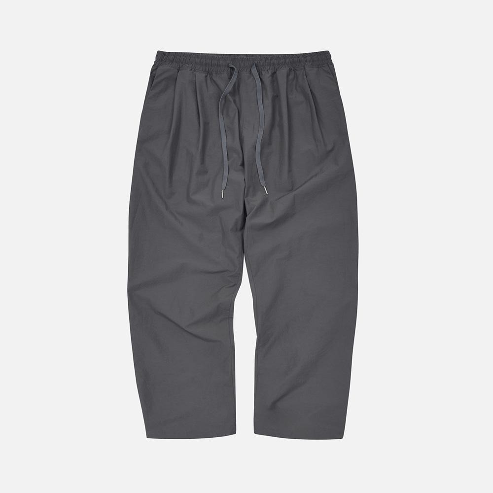 Nylon relax set-up two tuck pants _ gray