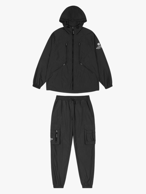 [10% OFF] WHO KNOWS LIGHT WEIGHT JACKET & CARGO JOGGER PANTS SET - BLACK