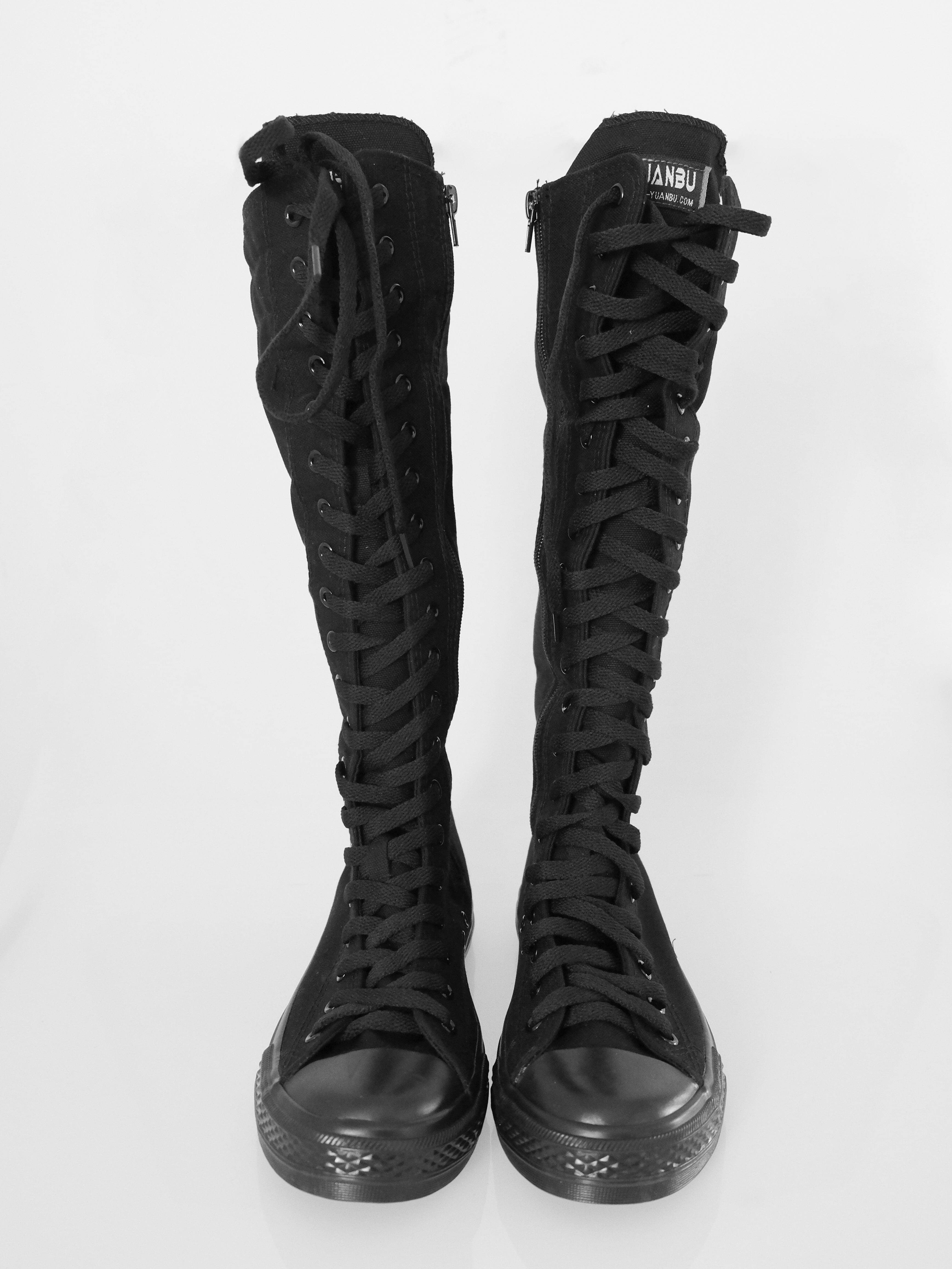 Sneakers boots