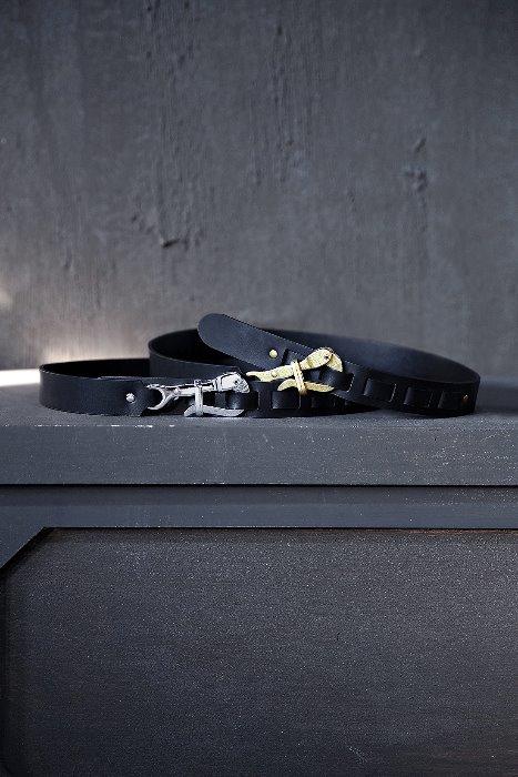 ByTheRHook metal buckle leather belt