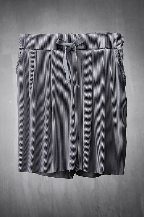 Lustrous Pleated Fabric Loose Fit Shorts