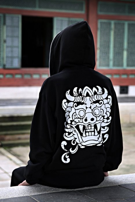 Mukha print loose fit pull-up hooded zip-up