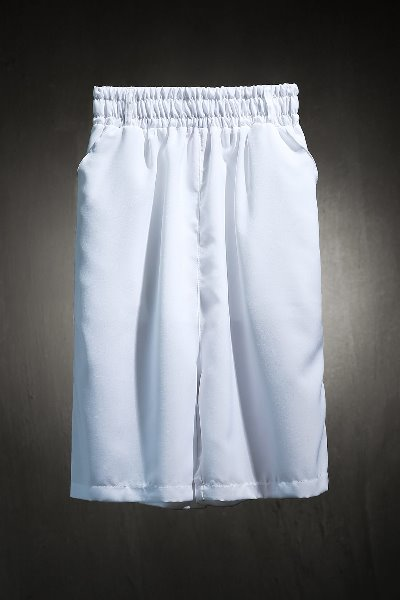 Mukha Cool Texture Solid White Capri Pants with Patch Pockets on Back