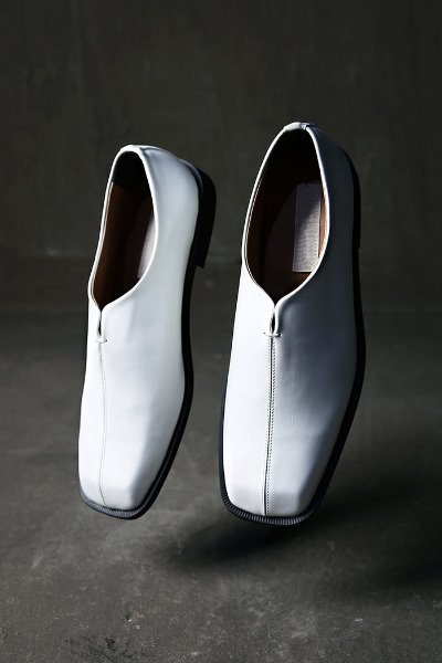 Square-toe center stitched Chinese loafers