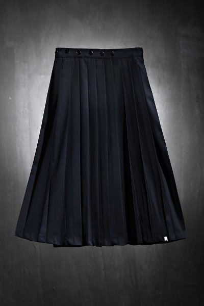 Mukha button wrap pleated skirt