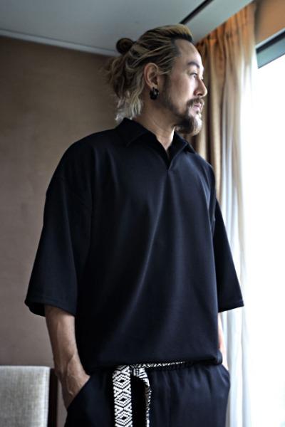 루즈핏 엠보싱 카라 티셔츠