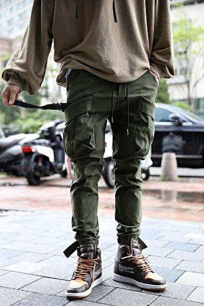 Velcro diagonal pocket jogger trousers