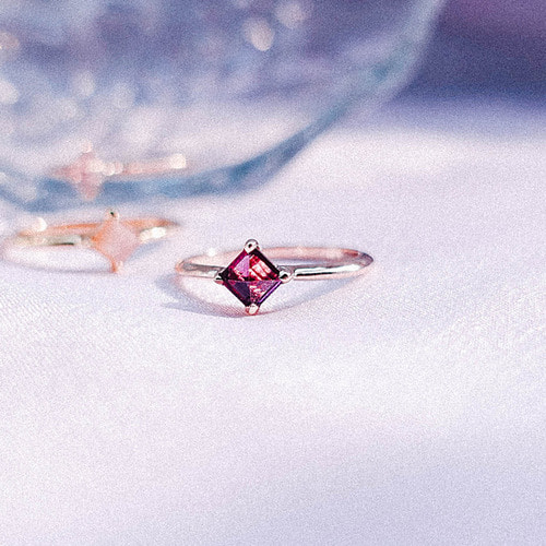 [Silver 925] Garnet Square Ring