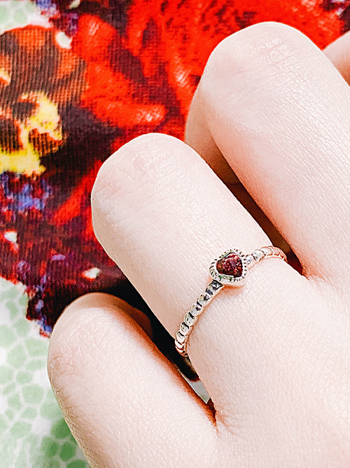 [Silver 925] Garnet Heart Ring