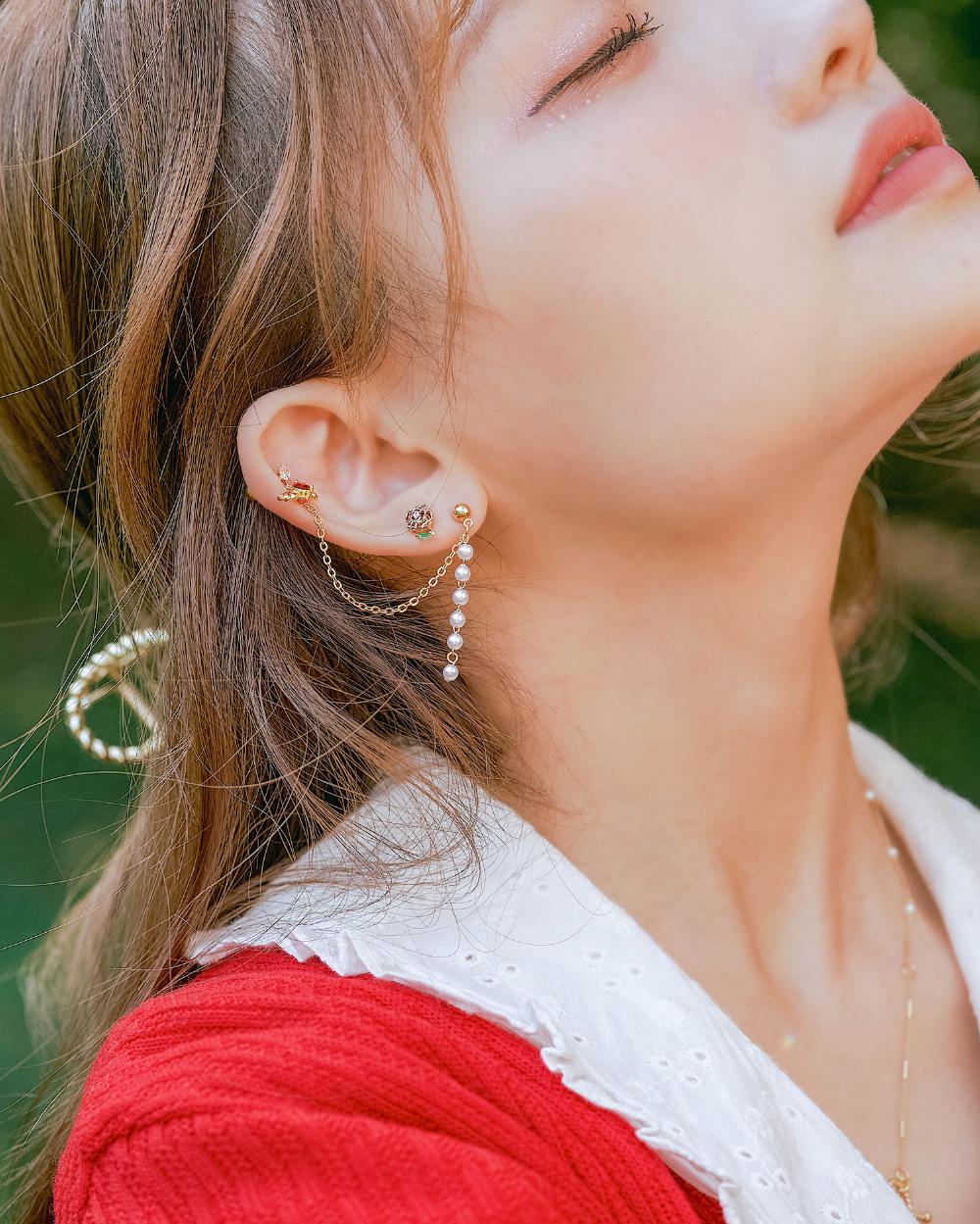 accessories detail image-S2L8