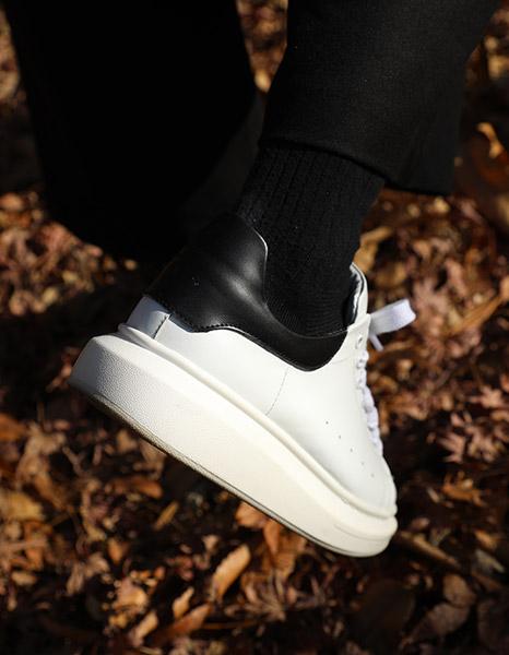 Alexander MQ Sneakers (2color)