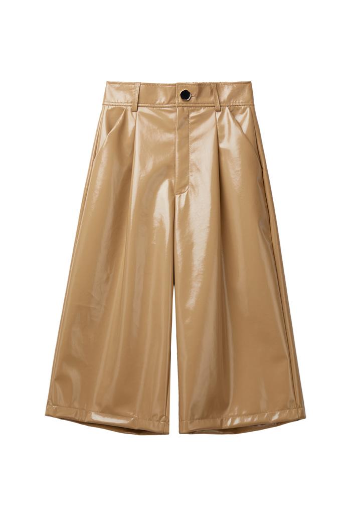 Enamel Gloss Bermuda Pants_Beige