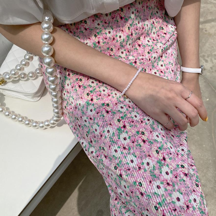 Faux Stone Pearlescent Beaded Bracelet