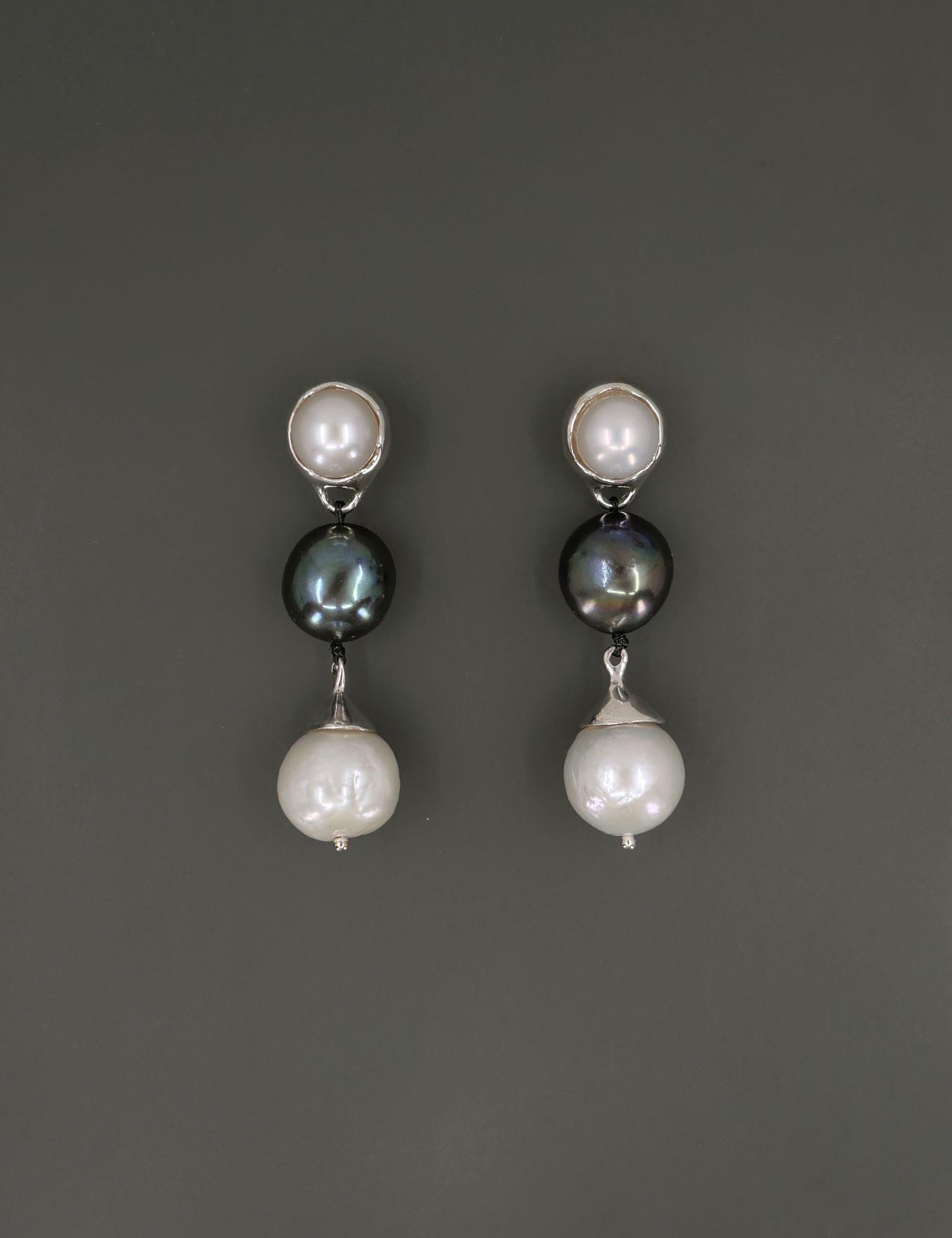Chunky Pearl Classic Earring