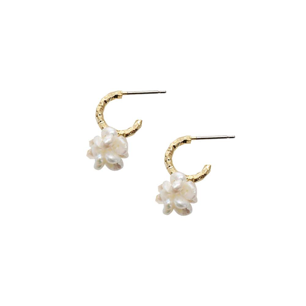 米珍珠耳环