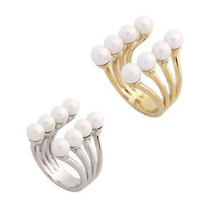 Pearl Connected Ring