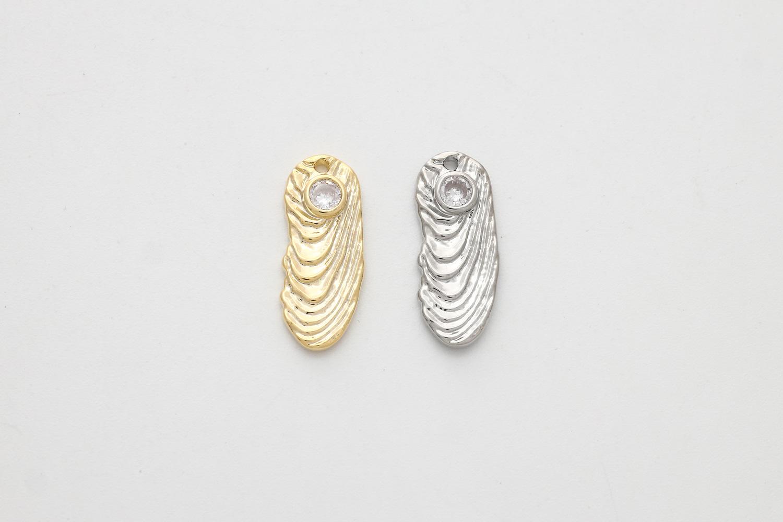 [Q17-VC7] Vintage cubic charm, Brass, Cubic zirconia, Nickel free, Unique charm, Jewelry making supplies, 1 piece (Q17-P1, Q17-P1R)