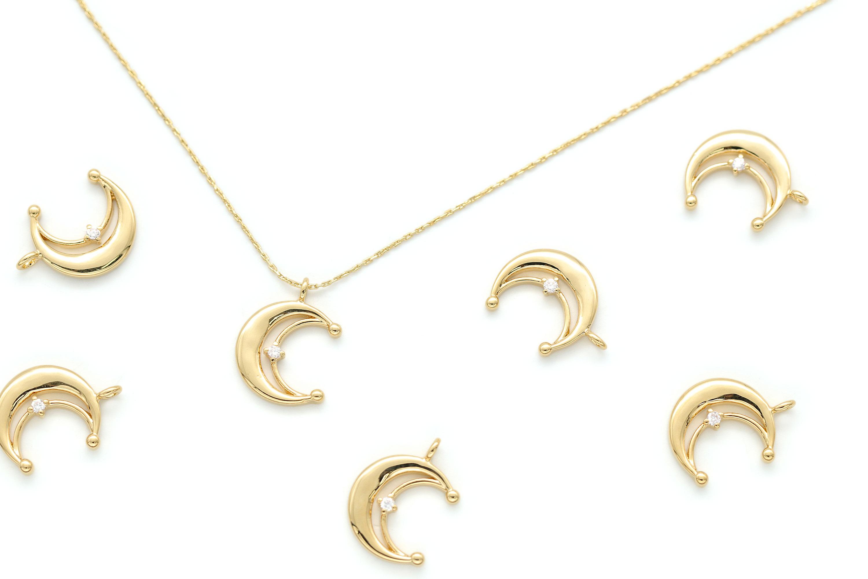 Crescent cubic pendant, N28-P7