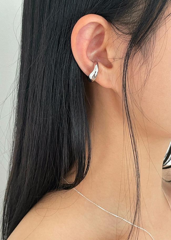 Tapered Mini Ear Cuff