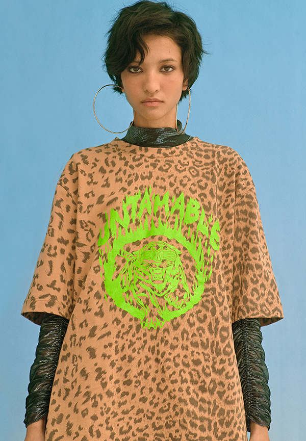 [SS20] Untamable graphic & leopard print oversized top